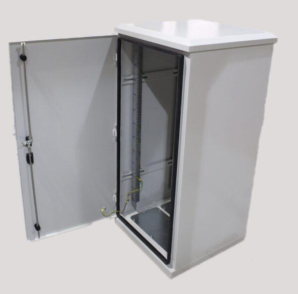 600X600 24U Indoor Cabinet
